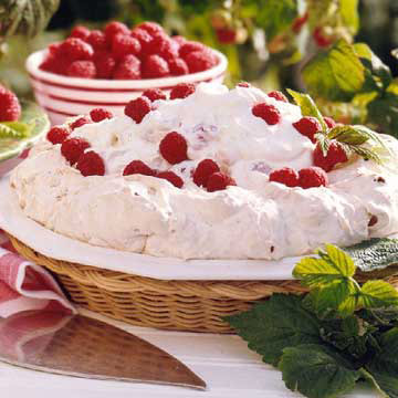Raspberry-Soda Cracker Pie