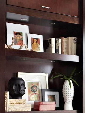 Rearrange bookshelf contents