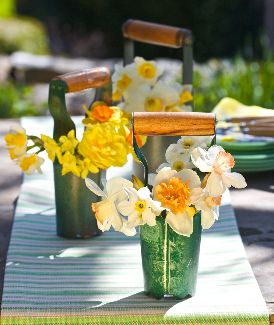 Daffodil spring centerpiece