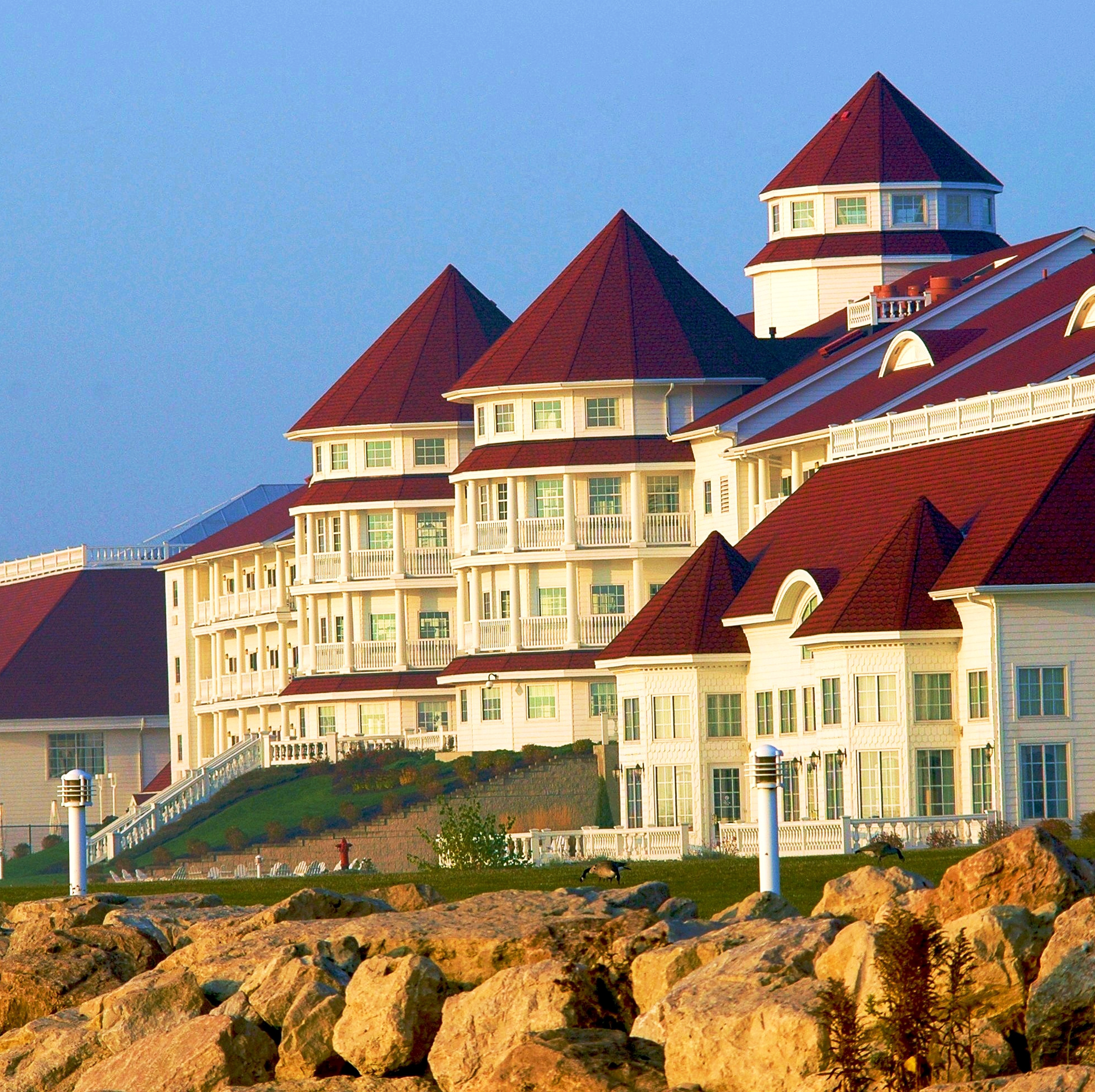 Blue Harbor Resort Sheboygan Wisconsin 20x13 600dpi - Copy