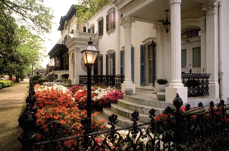 Savannah Historic District. Photos Courtesy of Savannah Area Chamber of Commerce.