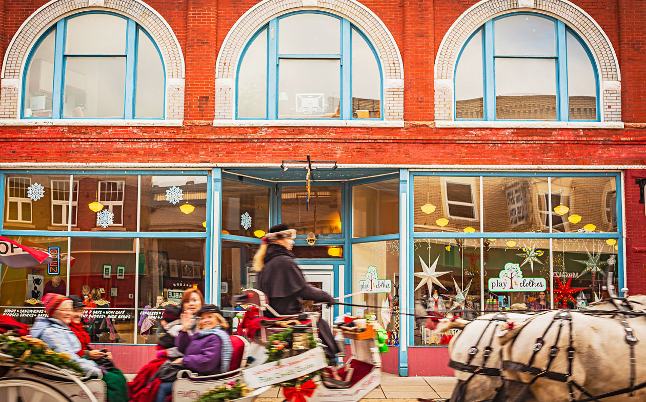 Horse-drawn carriages help visitors experience the festival's Victorian feel.