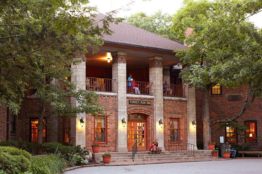 Built in 1919, the inn once welcomed trains from Chicago.