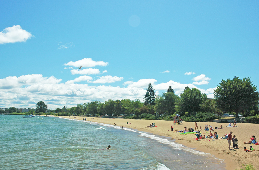 Clinch Park Beach. Photo courtesy of Traverse City Tourism.