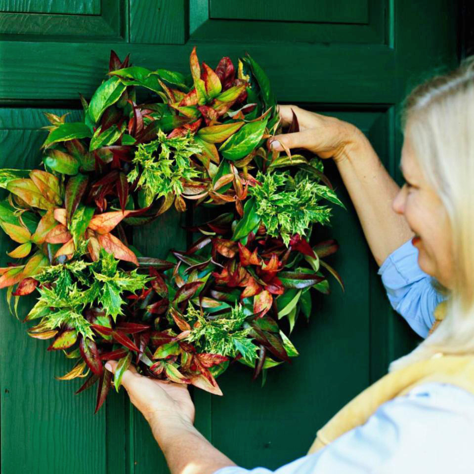 Hang wreath