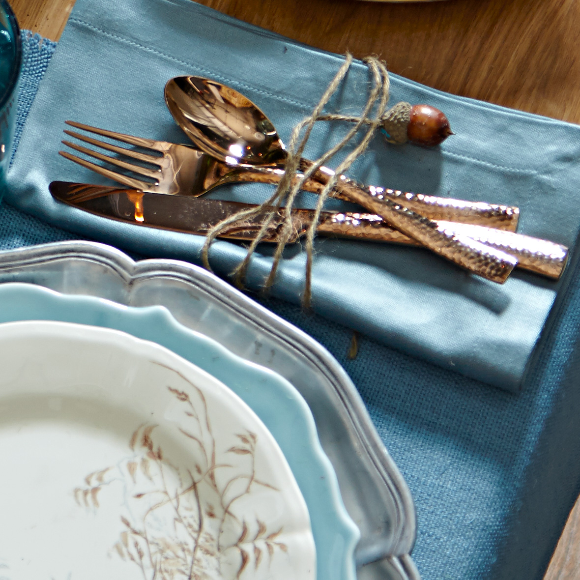 Table setting accents