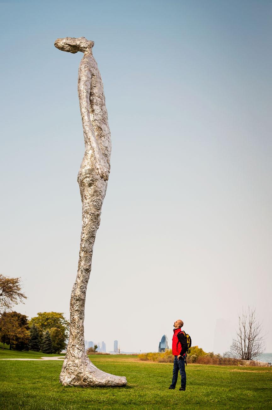 Tom Friedman's Looking Up sculpture