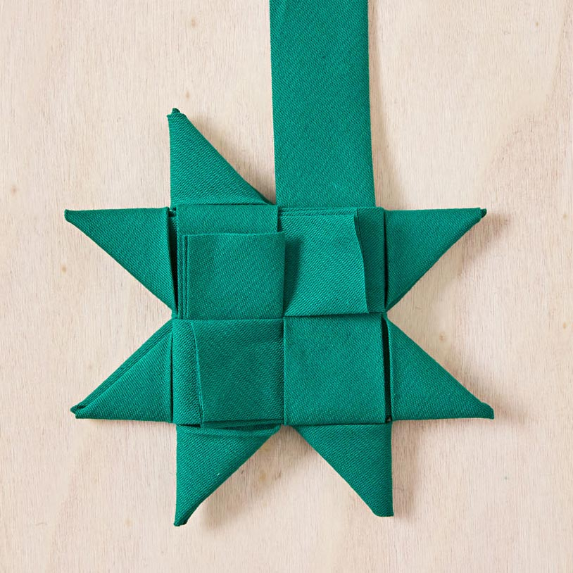 How to make woven stars, step 4