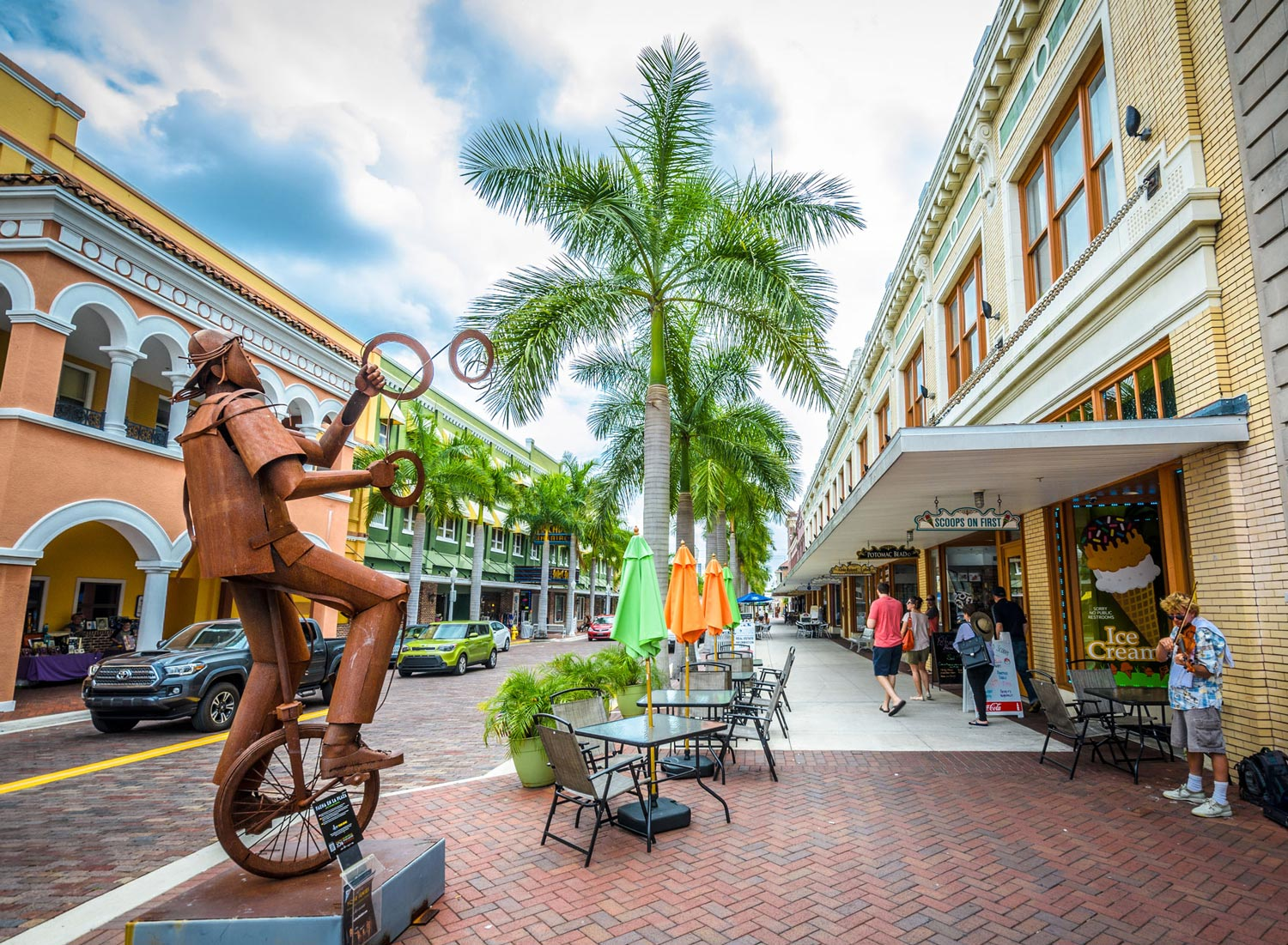 Historic River District in Fort Myers