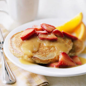 Oatmeal Pancakes with Strawberry-Orange Sauce