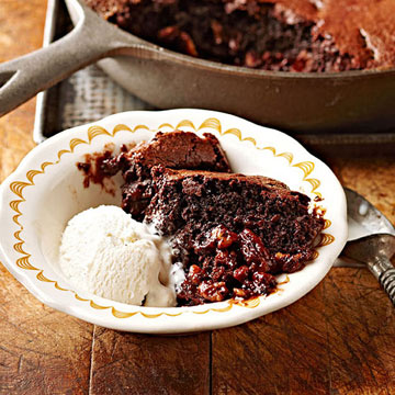 Caramel Pecan Skillet Brownie