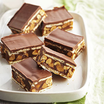 Salted Caramel, Chocolate and Peanut Cracker Stack Bars