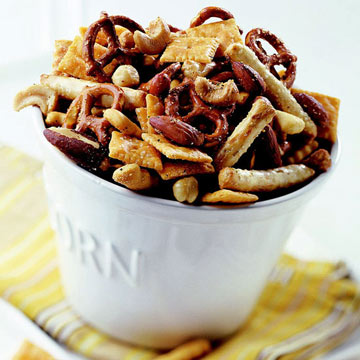 Crunchy Cracker Snack Mix