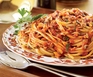 Linguine and Red Clam Sauce