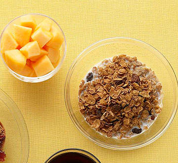 Raisin Cereal and Cantaloupe