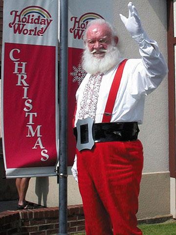 HolidayWorld-santa.jpg