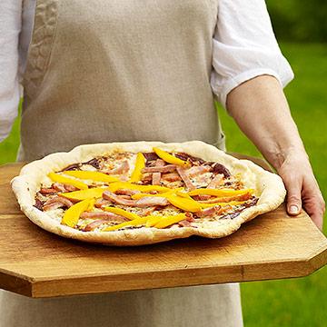 Grilled Mango BBQ Pizza