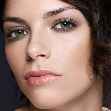 Beauty How-To: Brown Smoky Eye Makeup
