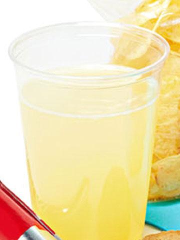 101596595_lemonade.jpg