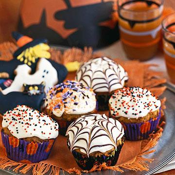 Jack-o'-Muffins with Cobweb Icing