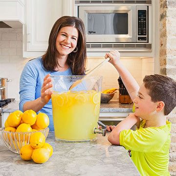 Lemons to Aid: Charitable Lemonade Stand Gives Back