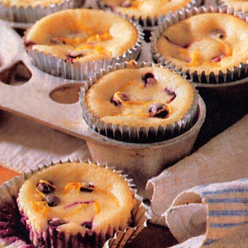 Cheesecake Cupcakes With Blueberries