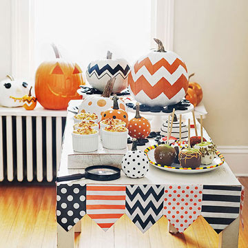 A Frightfully Sweet Celebration: Halloween Party Crafts and Treats