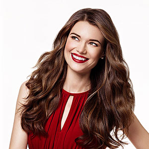 Gorgeous Holiday Hair and Makeup Ideas