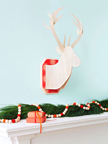 Mantel Decor: Reindeer