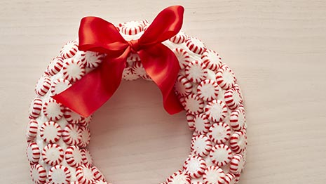 How to Make a Peppermint Wreath