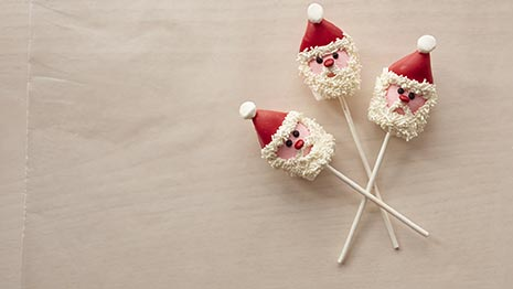 How to Make Marshmallow Santa Pops