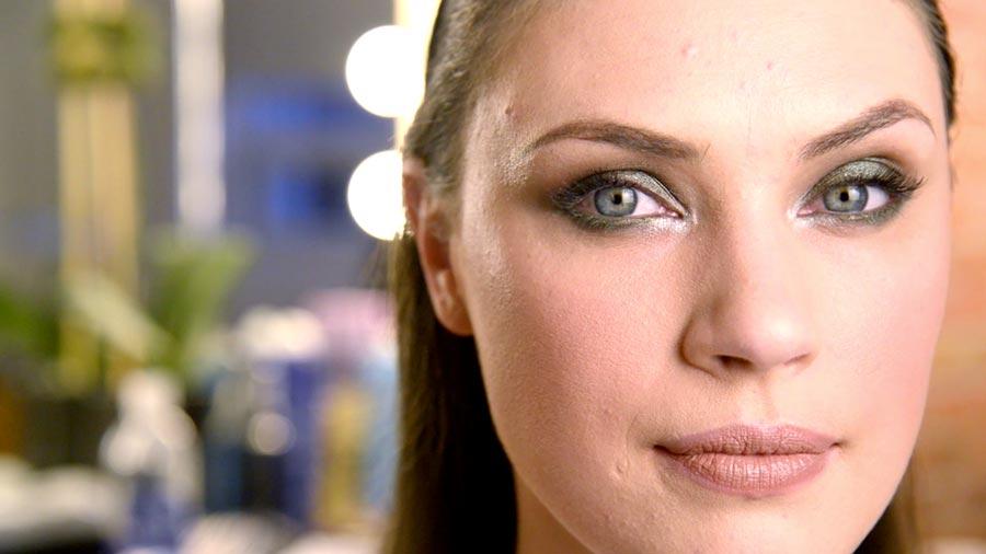 Beauty Insider: Emerald Green Smokey Eye