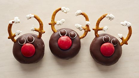How to Make Reindeer Doughnuts