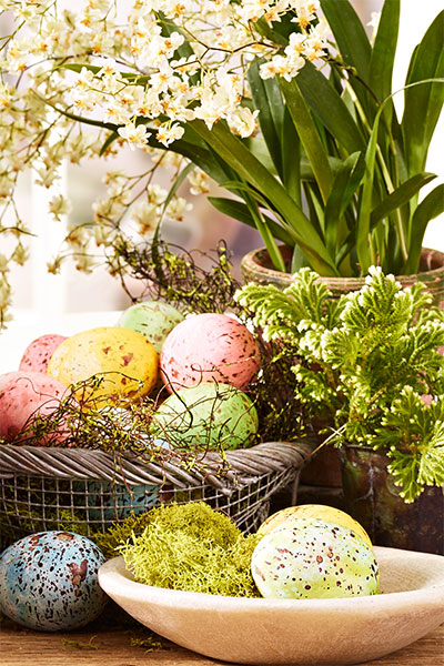 Make These Beautiful Speckled Easter Eggs
