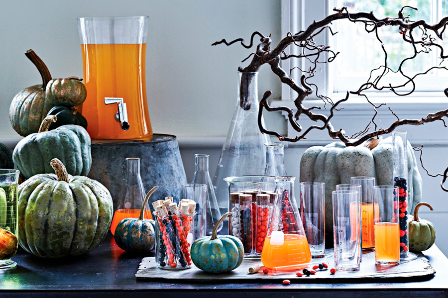 Spooky Chic DIY Halloween Decorating Ideas