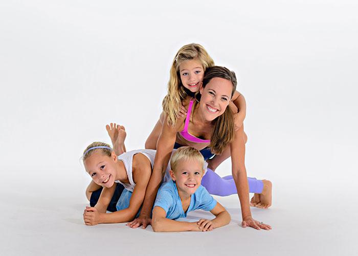 Moms-Into-Fitness4.jpg