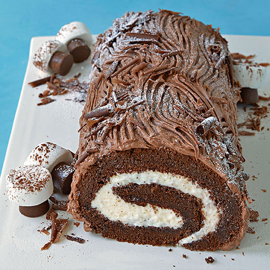 Christmas Yule Log Cake.Classic Yule Log