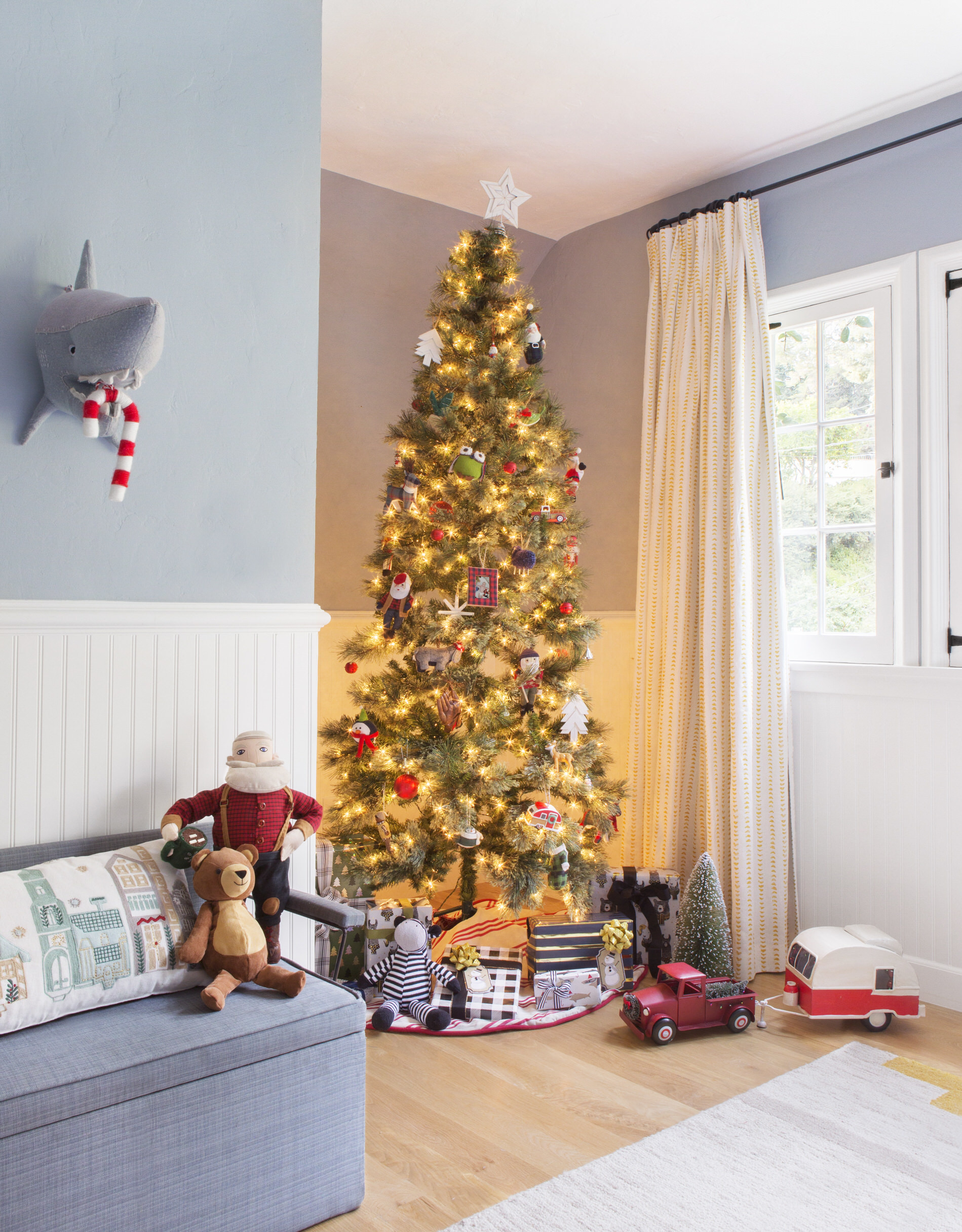 Our Favorite Trends for Decorating the Christmas Tree This Year