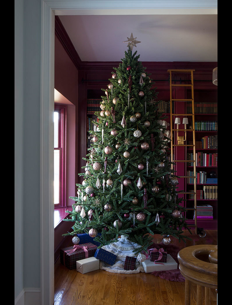 Monochromatic Play Christmas Tree