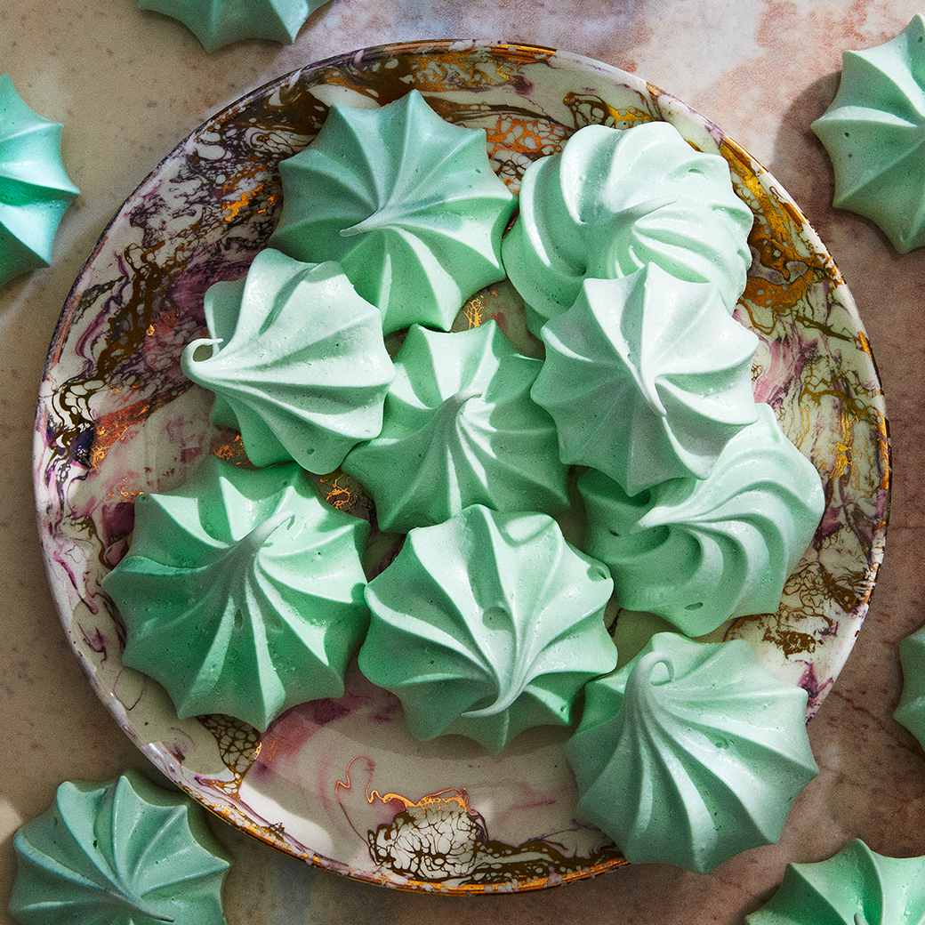meringues green dessert