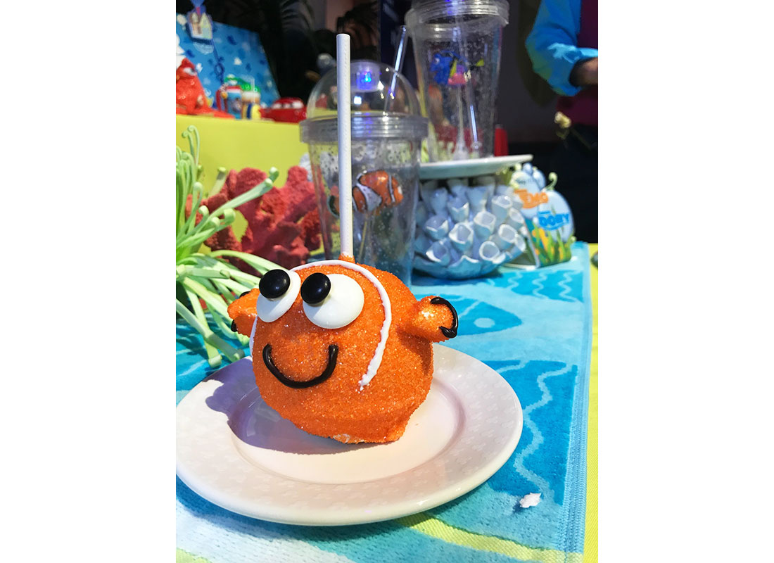 Nemo and Alien Caramel Apples at Disneyland