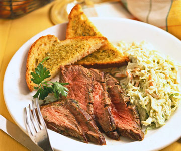 Pesto Steak With Croutons And Coleslaw