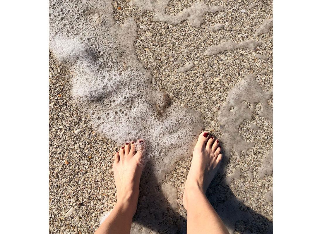 sunscreen while beach bound