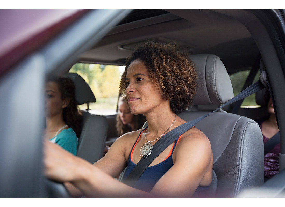 mom driving with teens