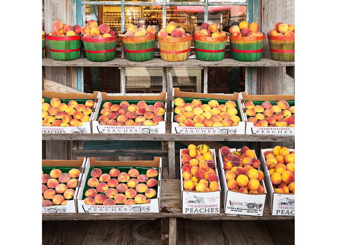 fresh peaches at farmers market