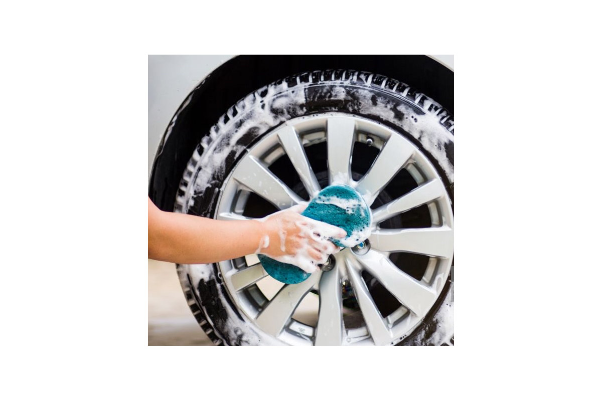 Get Your Vehicle Spotless Right in the Driveway