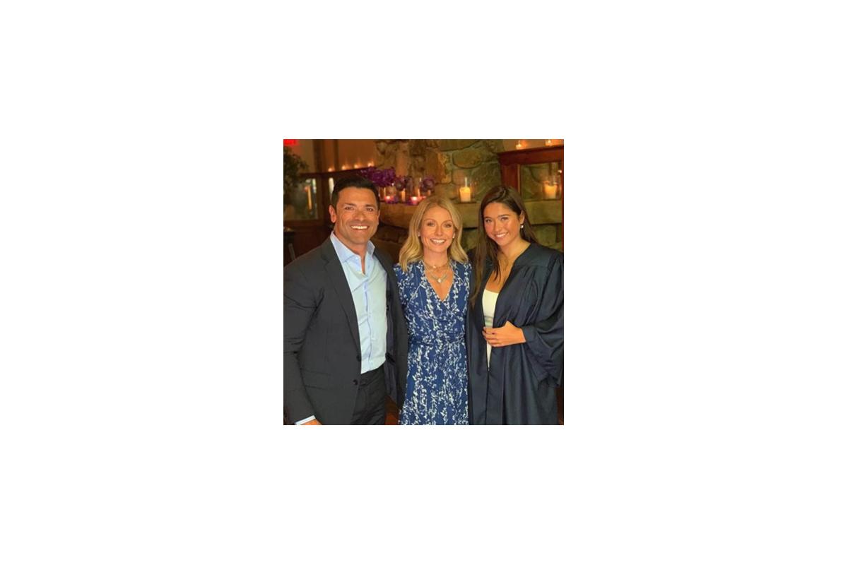 Kelly Ripa Family pic