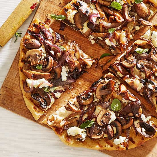 Caramelized Onion and Mushroom Pizza