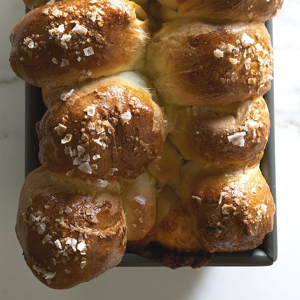 Cheese-Stuffed Pull-Apart Bread