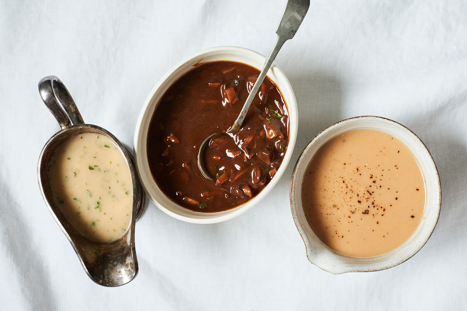 three types of thanksgiving gravy
